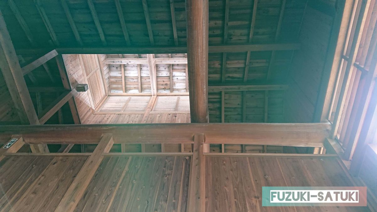 木造の天井の写真