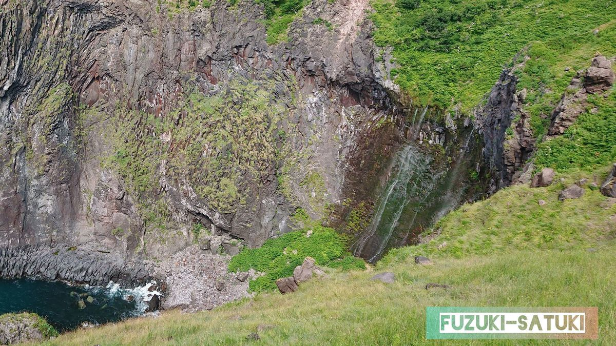 フレペの滝をズームした写真