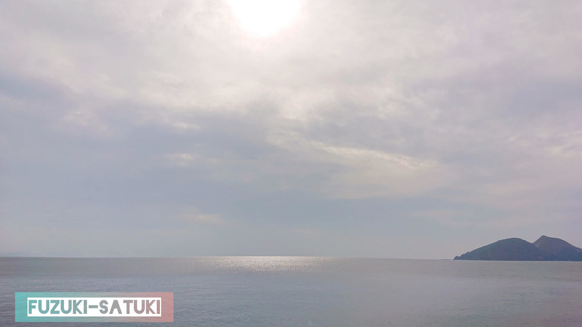 山川砂むし温泉『砂湯里』からの眺望。遮るもののない海と島。それだけ。それだけで十分。