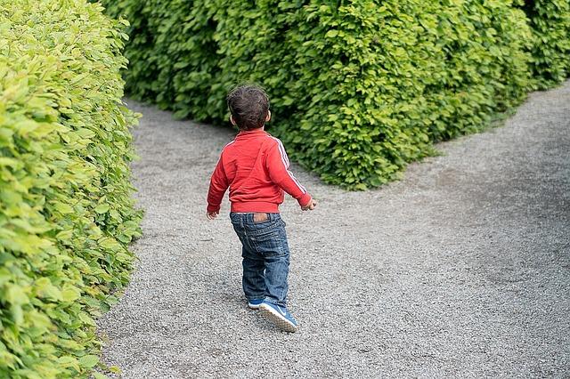 子供 曲がり角