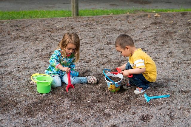 子供 砂場