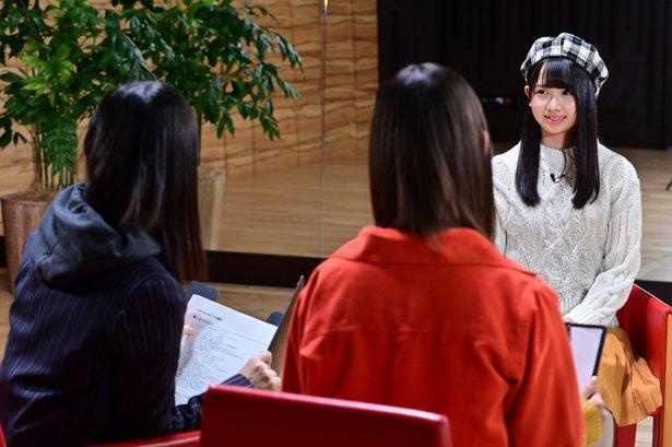 上村ひなのは「アイドルに向いていると思う?」という質問に「向いていない」と即答
