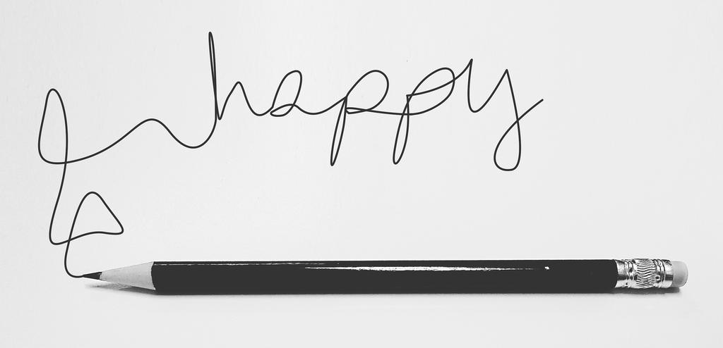 happyと書かれたノート