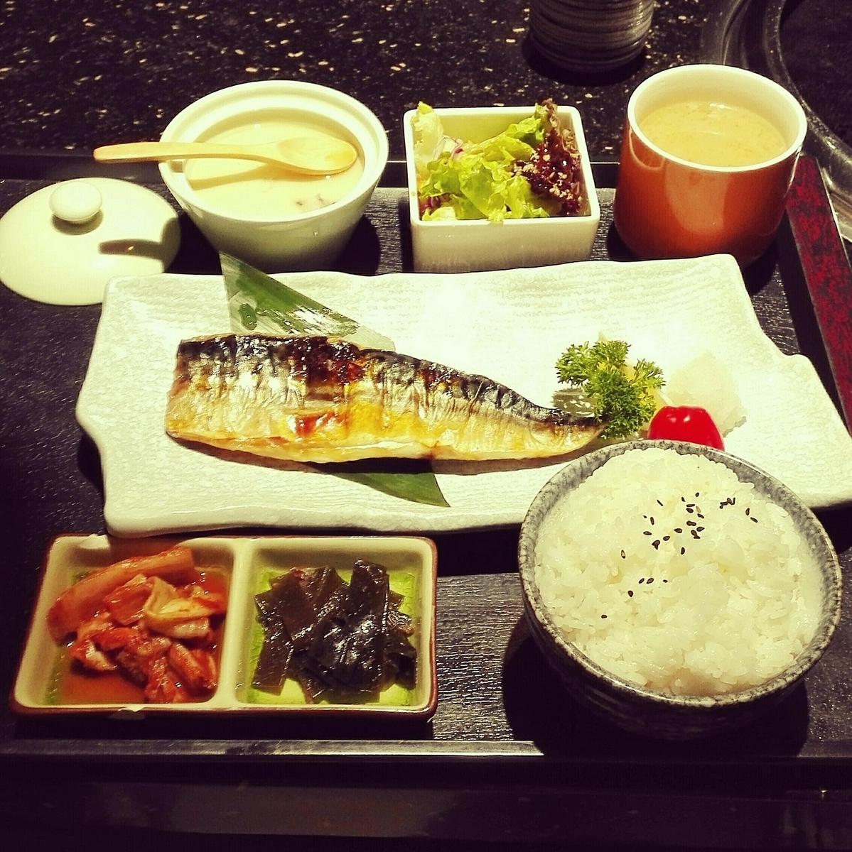 バランスの良い食事(定食)