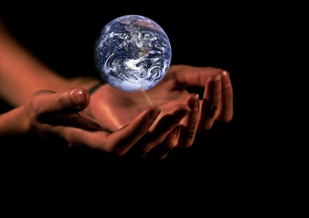 地球。人類。統一。