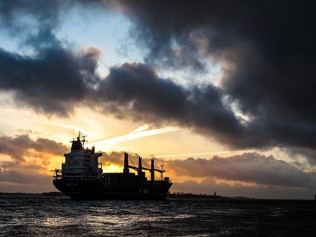 貿易,石油