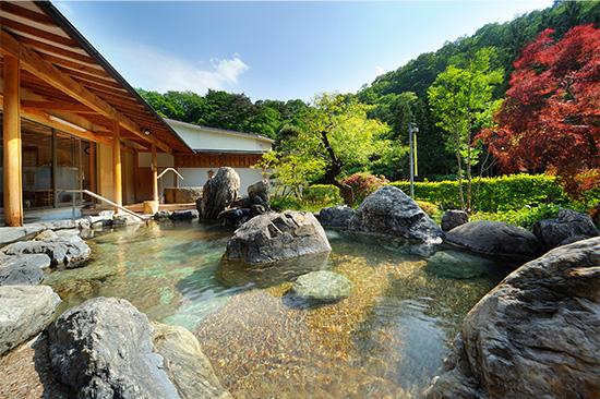 庭園の露天風呂