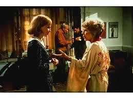 ローズマリーに優しくするおばあさん