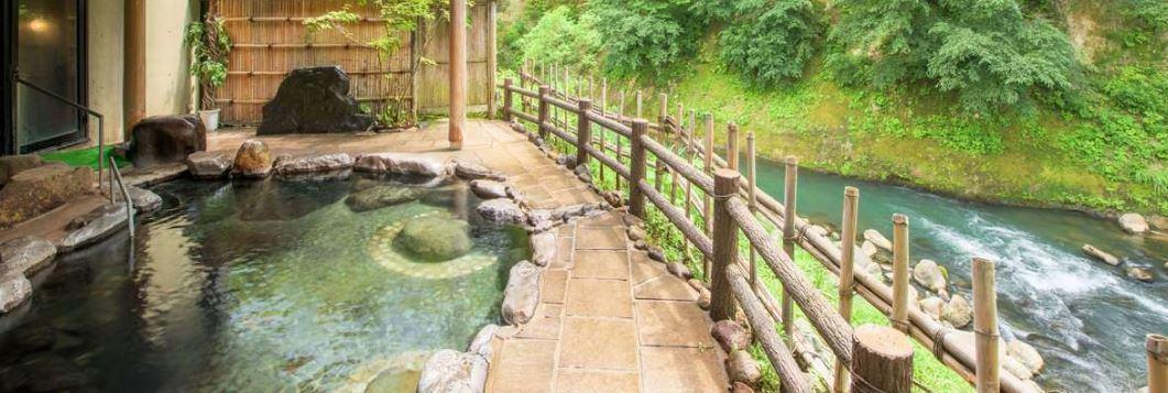 瀬美温泉の露天風呂