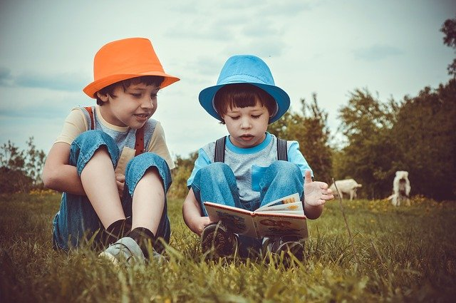 読書する子ども