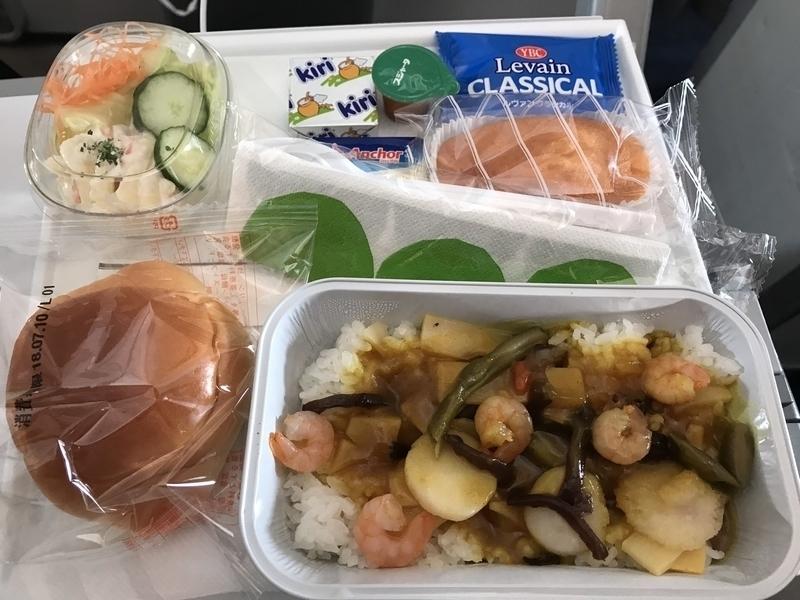 フィンエアーAY078のエコノミー機内食(昼)