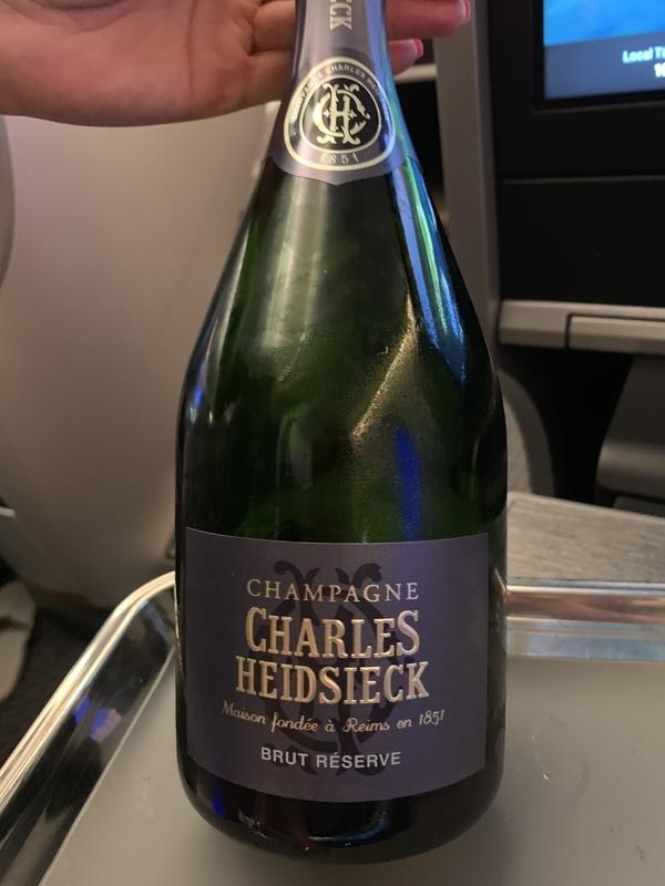 シンガポール航空SQ655ビジネスクラス シャンパンのボトル