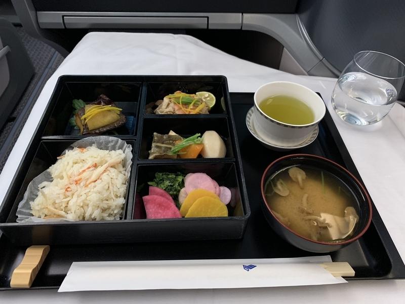 シンガポール航空SQ655ビジネスクラス 和食の花恋暦メイン料理