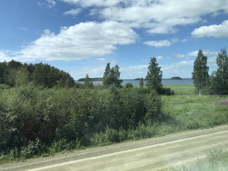 フィンランドの車窓(湖畔)