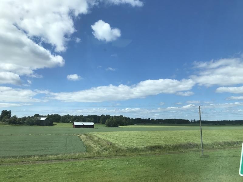 フィンランドの車窓(畑)