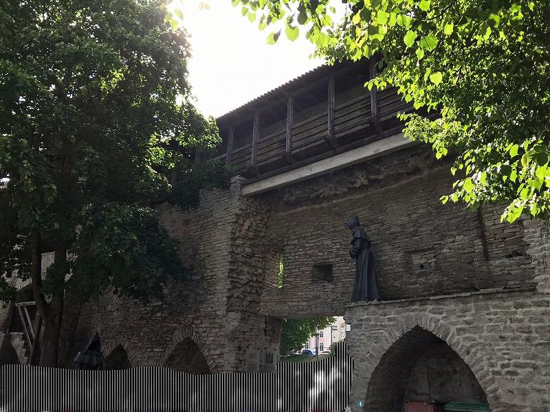 デンマーク王の庭園の中の門