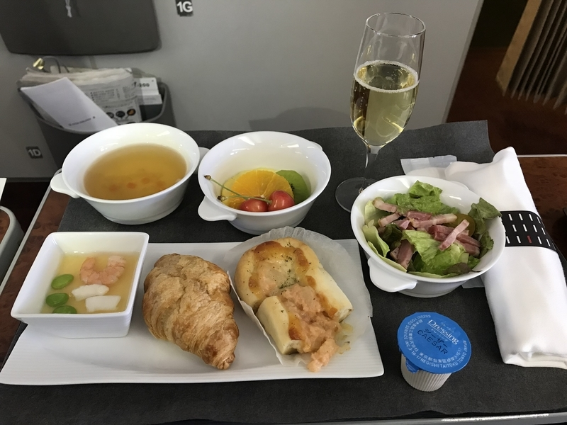 国内線ファーストクラス機内食(朝)