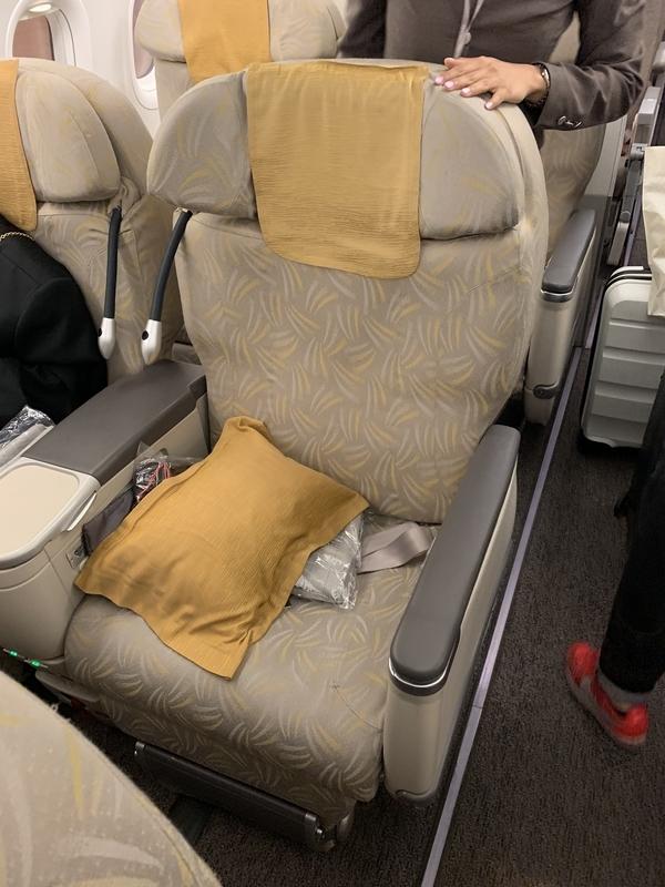 OZ323座席