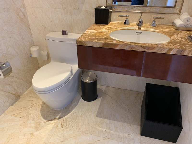RC成都のプレジデンシャルスイート トイレ1