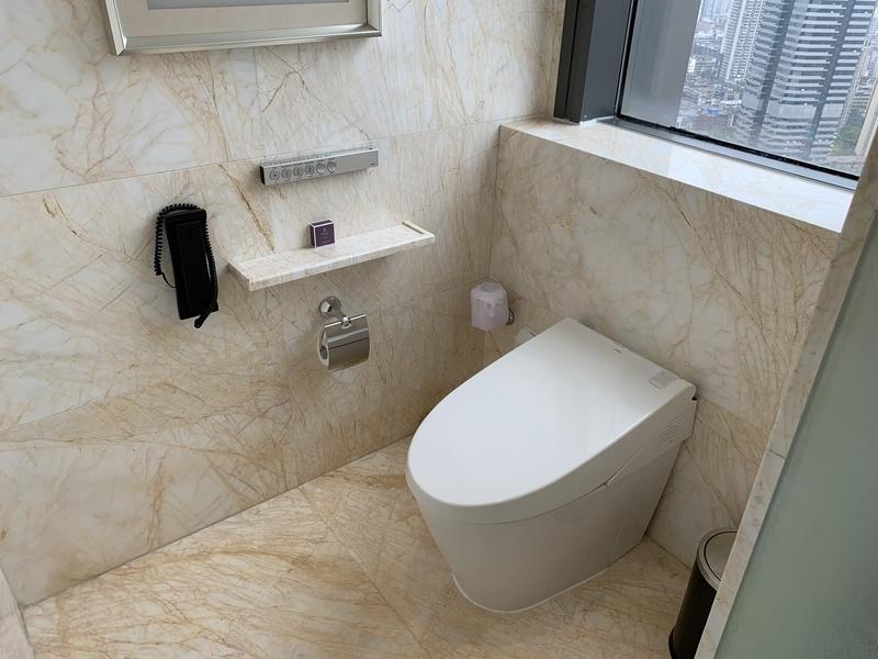 RC成都のプレジデンシャルスイート トイレ2