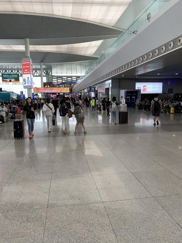 成都東駅4