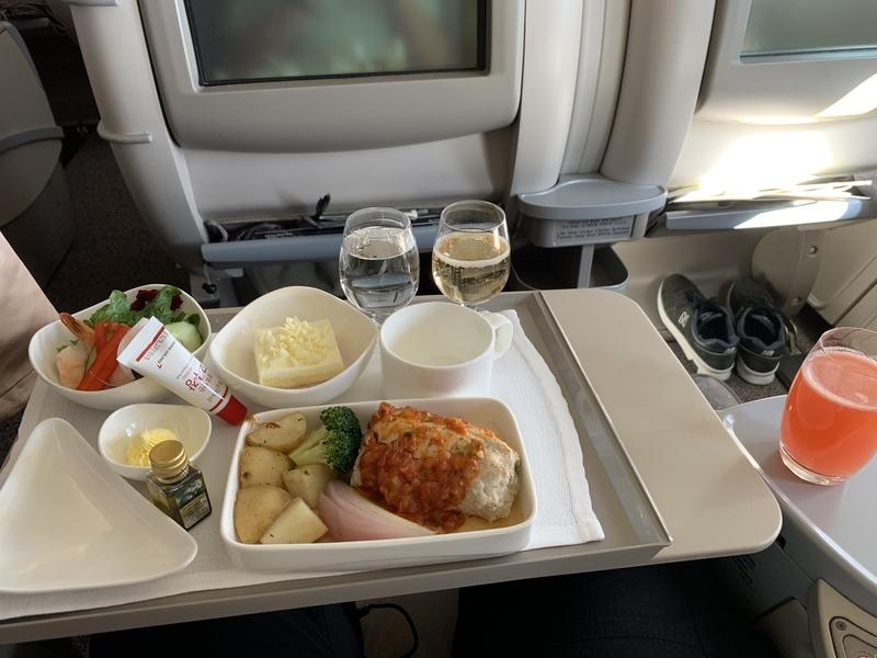OZ114ビジネス機内食