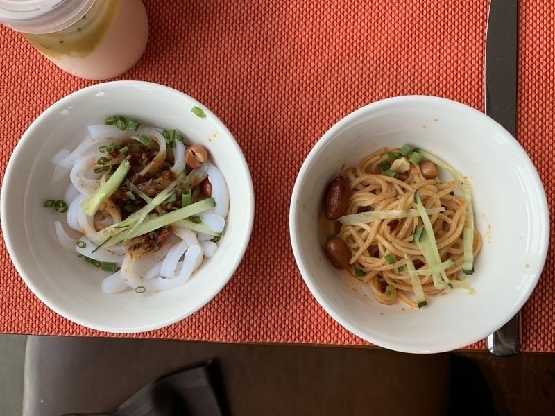RC成都レストランでの朝食 涼麺&涼粉