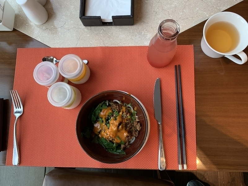 RC成都レストランでの朝食 担々麺