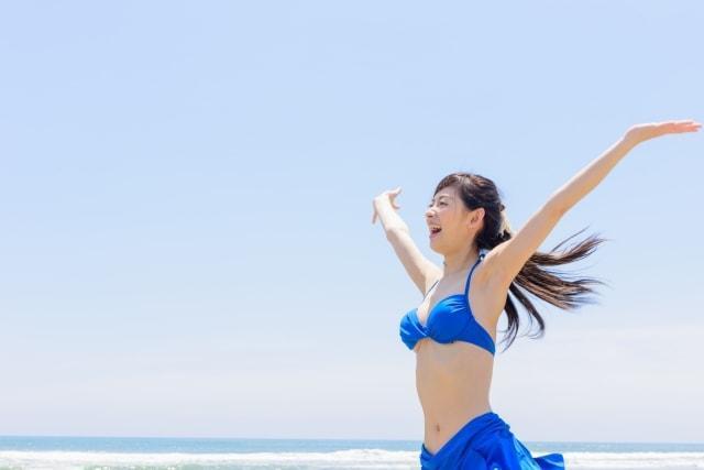 真夏のビーチでおはじきバトルイメージ画像01