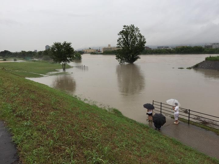 記録的大雨のイメージ02