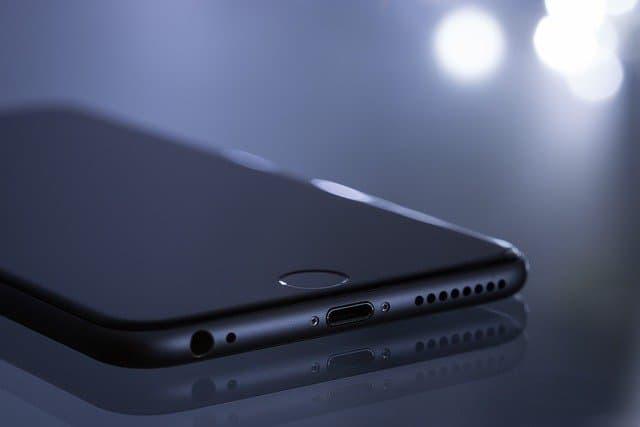 iPhone SE(第2世代)のイメージ01