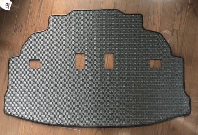 シエンタ用ラバー製ラゲッジマットのイメージ03
