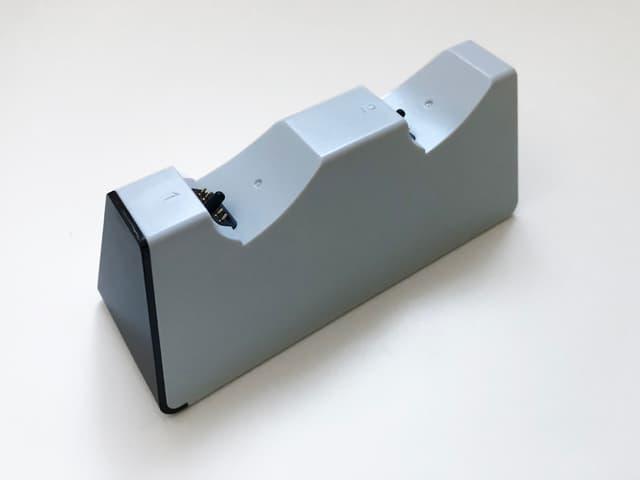 PS5コントローラー用デュアル充電スタンドのイメージ03