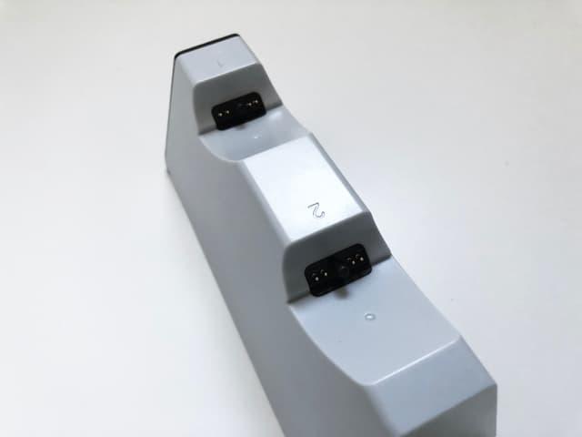 PS5コントローラー用デュアル充電スタンドのイメージ04