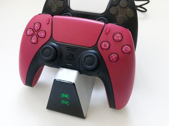 PS5コントローラー用デュアル充電スタンドのイメージ07