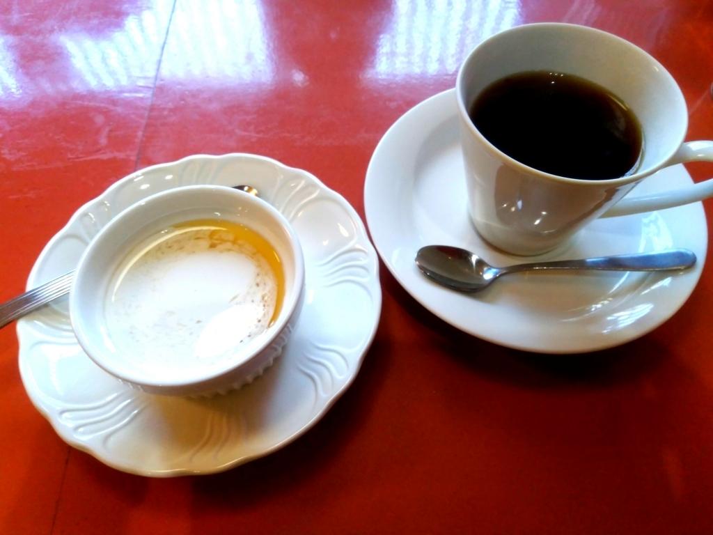 CAFE茶馬古道のセットデザートとコーヒー