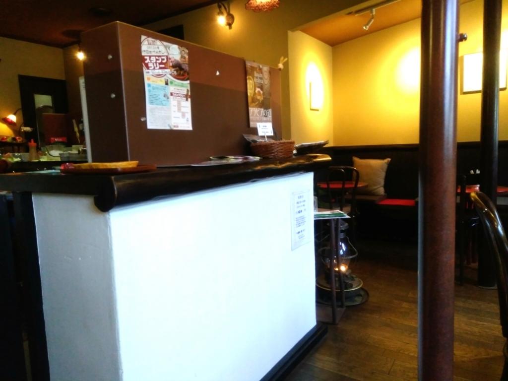 CAFE茶馬古道さんの店内