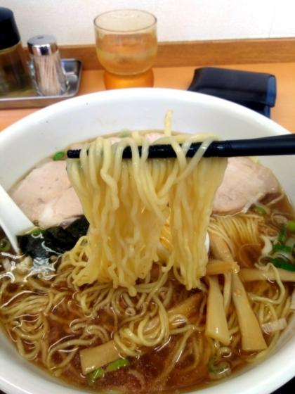 ワンタンチャーシューめんの麺