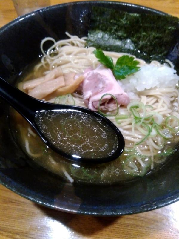 平子と夏鯵の冷製煮干しそばのスープ