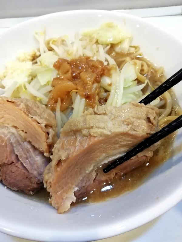 リニューアル後の麺や◯雄さんの豚
