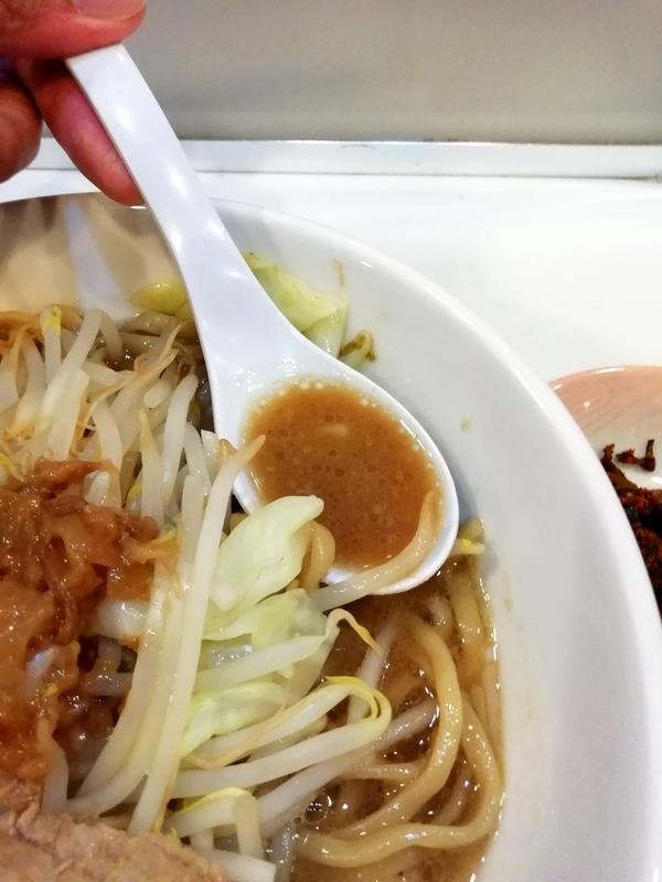 リニューアル後の麺や◯雄さんのスープ