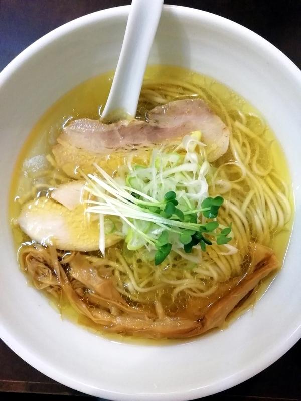 麺屋 心羽さんの鶏塩拉麺 750円