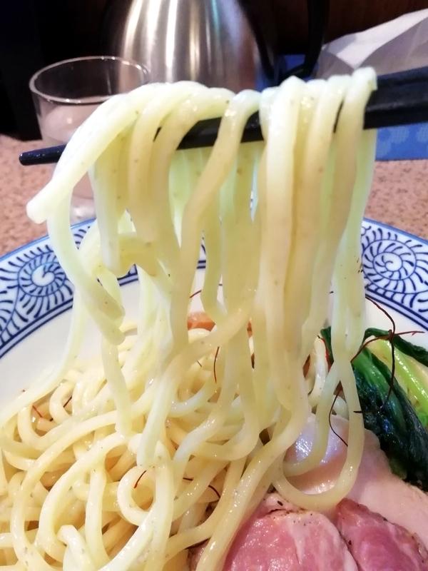 麺処かつ善さんの全粒粉入り太麺