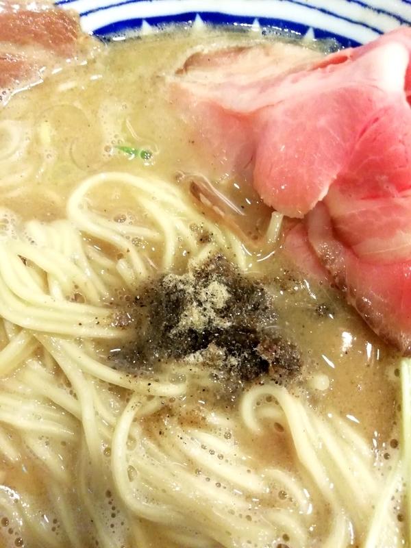 煮干濃厚白湯らーめんの煮干粉