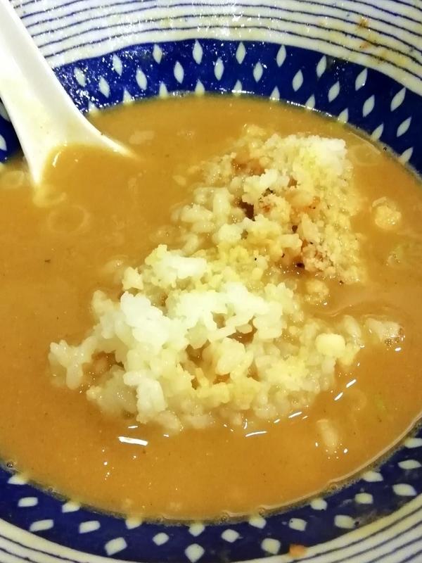 麺場二寅(ふとら)本川越店さんの白湯用追い飯(チーズ)200円