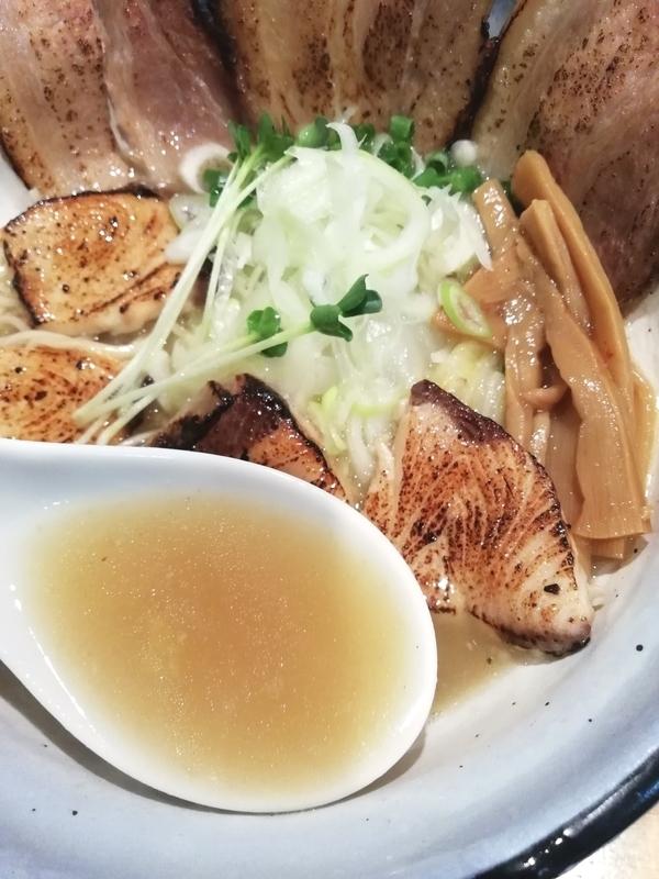 鰤チャーシュー麺 塩のスープ