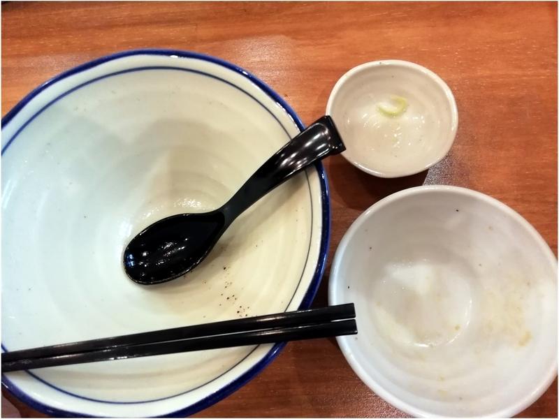らーめん仙松さんのゆず塩らーめんとチャーシュー丼、ぷち丸餃子を完食完飲