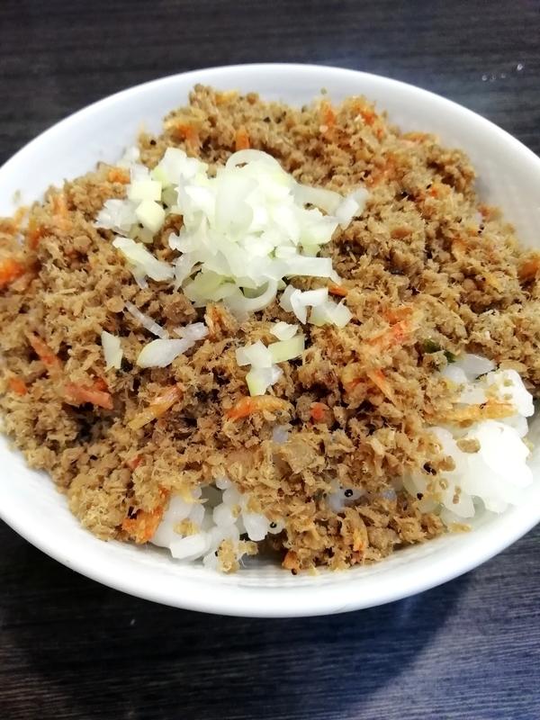 ラーメンつけ麺奔放さんの秋刀魚と海老の自家製ふりかけご飯(小)150円