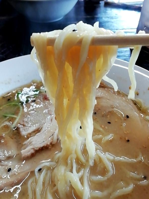 手打ちラーメン一力さんの自家製麺