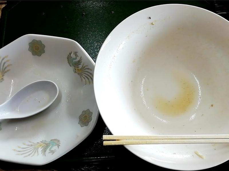 手打ちラーメン一力さんの味噌チャーシューメンとチャーハン小のセットを完食・完飲。